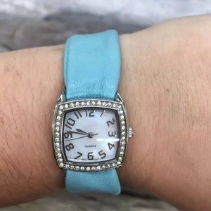 Mother of Pearl Face Watch Lambskin Leather YP